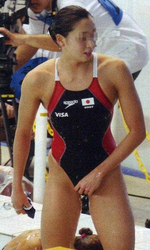 ガチ競泳女子選手の肩幅のデカさや逆三角形の脇肉にムラムラするエロ画像 33枚 No.16