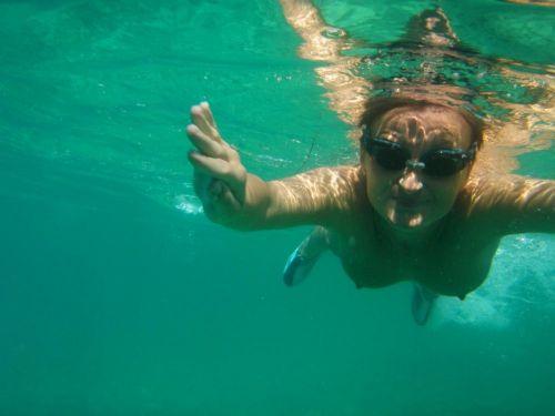 全裸スキューバダイビング・素潜りを楽しむ外国人女性のエロ画像 27枚 No.11