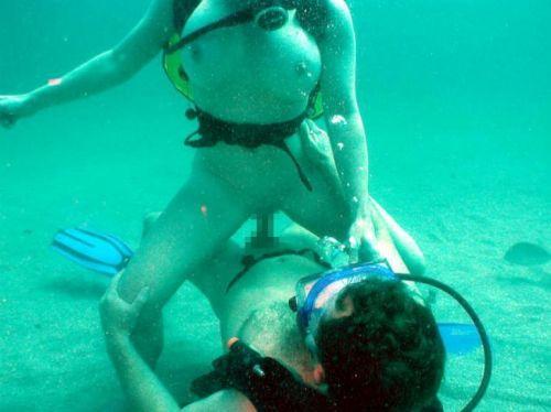 全裸スキューバダイビング・素潜りを楽しむ外国人女性のエロ画像 27枚 No.19