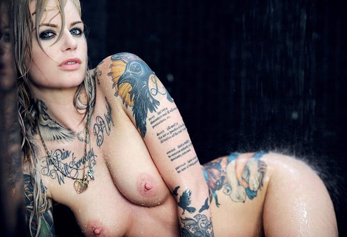 美巨乳保証wwwwwwデカパイ刺青たっぷりの外国人女性がヤバ過ぎwwwwww 33枚
