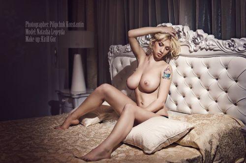 巨乳保証wwwデカパイ刺青たっぷりの外国人女性がヤバ過ぎwww 33枚 No.10