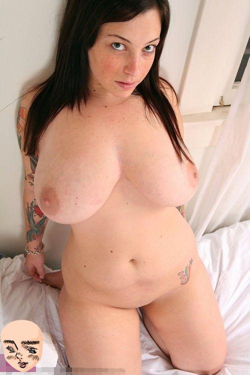 巨乳保証wwwデカパイ刺青たっぷりの外国人女性がヤバ過ぎwww 33枚 No.26