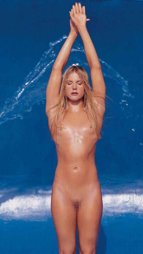 グラマラスな肉体で全裸マリンスポーツを楽しむ外国人のエロ画像 31枚 No.8