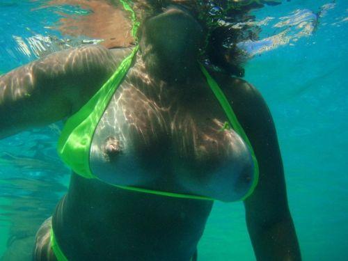 グラマラスな肉体で全裸マリンスポーツを楽しむ外国人のエロ画像 31枚 No.26