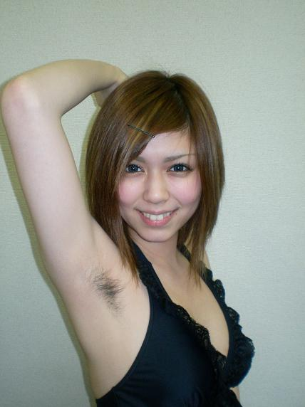 ワキ毛ボーボーな素人女性の腋の匂いに興奮しちゃうエロ画像 31枚 No.13