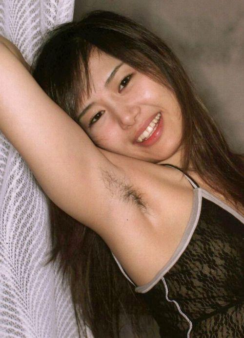 ワキ毛ボーボーな素人女性の腋の匂いに興奮しちゃうエロ画像 31枚 No.28