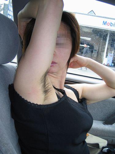 ワキ毛ボーボーな素人女性の腋の匂いに興奮しちゃうエロ画像 31枚 No.30