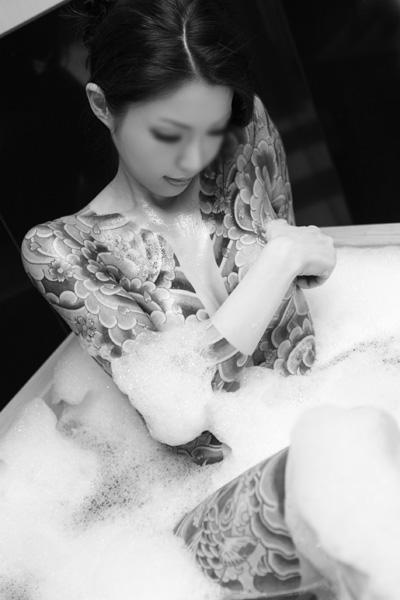 アジア系外国人のタトゥーが神秘的でセクシーなヌードエロ画像 41枚 No.7