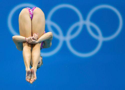 【画像】高飛び込み女子選手の引き締まった太ももと股間が卑猥過ぎるwww 37枚 No.11