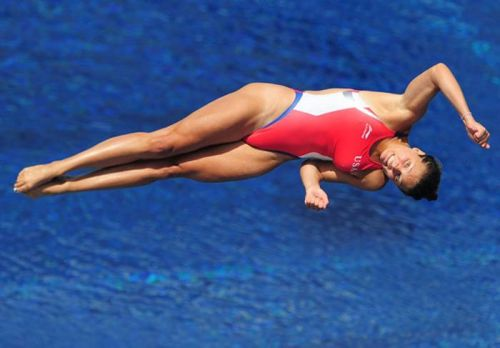 【画像】高飛び込み女子選手の引き締まった太ももと股間が卑猥過ぎるwww 37枚 No.24