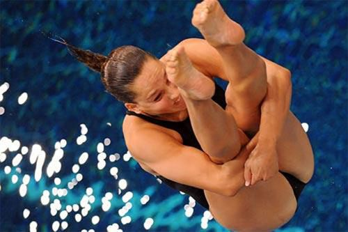 【画像】高飛び込み女子選手の引き締まった太ももと股間が卑猥過ぎるwww 37枚 No.25