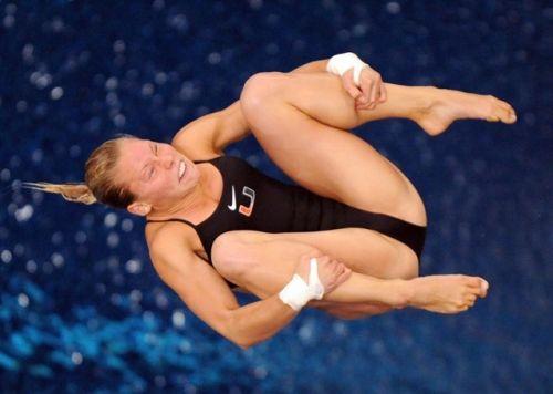 【画像】高飛び込み女子選手の引き締まった太ももと股間が卑猥過ぎるwww 37枚 No.27