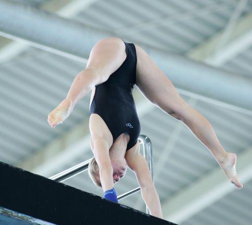 【画像】高飛び込み女子選手の引き締まった太ももと股間が卑猥過ぎるwww 37枚 No.35