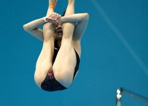 【画像】高飛び込み女子選手の引き締まった太ももと股間が卑猥過ぎるwww 37枚 No.36