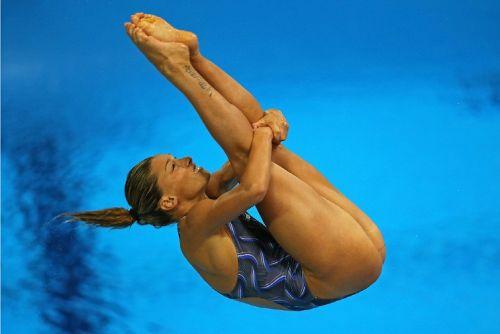 【画像】高飛び込み女子選手の引き締まった太ももと股間が卑猥過ぎるwww 37枚 No.37
