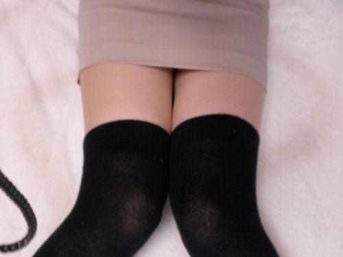 【絶対領域】ベットに横たわるニーソックス女子の股間のエロさwww 31枚 No.28