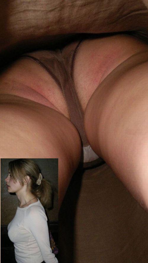 【画像】Tバックを履いてお尻丸出しな外国人女性の逆さ撮りパンチラwww 31枚 No.10