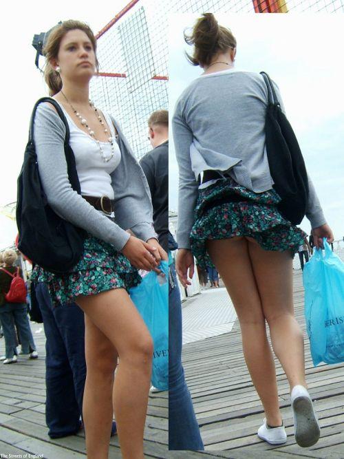 【画像】Tバックを履いてお尻丸出しな外国人女性の逆さ撮りパンチラwww 31枚 No.24