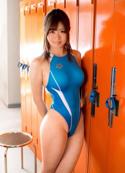 競泳水着のお姉さんのデカパイを揉みしだきたくなるエロ画像 34枚 No.23