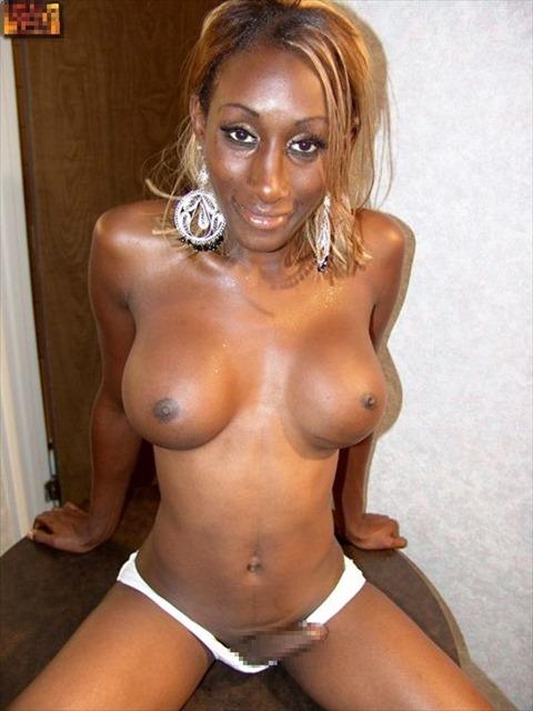 【画像】美人な黒人ニューハーフの黒々としたペニクリがハンパねぇwwww 33枚 No.11