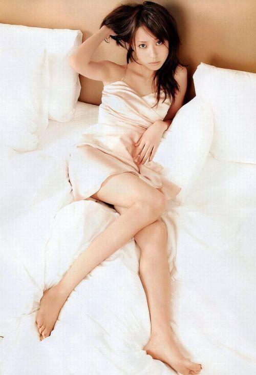 セクシーなスリップを着て誘惑する上品なオトナ女性のエロ画像 36枚 No.31