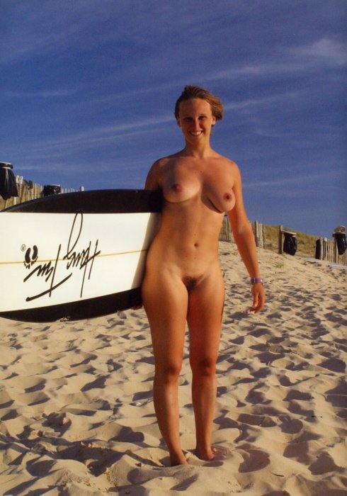 全裸でサーフィンしちゃう開放的な外国人達が超エロ楽しいそうww 36枚 No.24