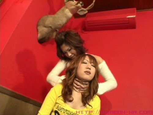 【画像】後背位で背後から首絞められて悶絶イキしちゃうドM女はこちらですwww 36枚 No.5