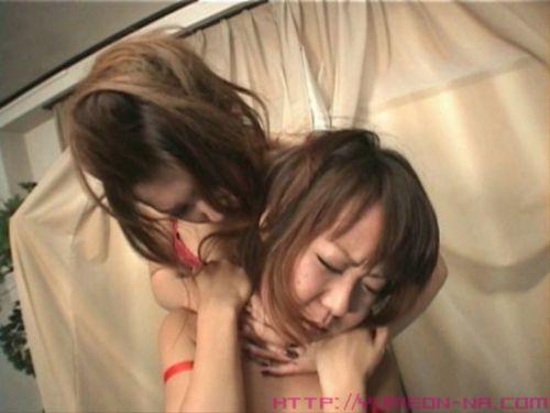 【画像】後背位で背後から首絞められて悶絶イキしちゃうドM女はこちらですwww 36枚 No.14