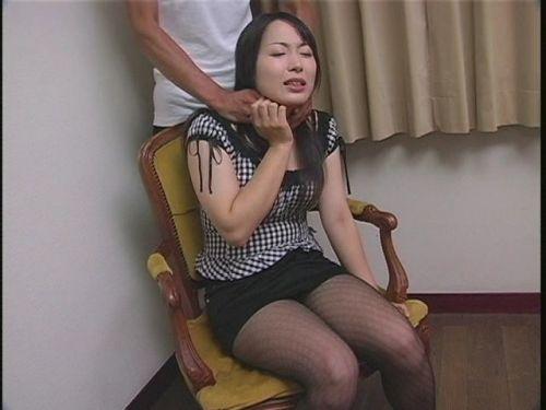 【画像】後背位で背後から首絞められて悶絶イキしちゃうドM女はこちらですwww 36枚 No.29