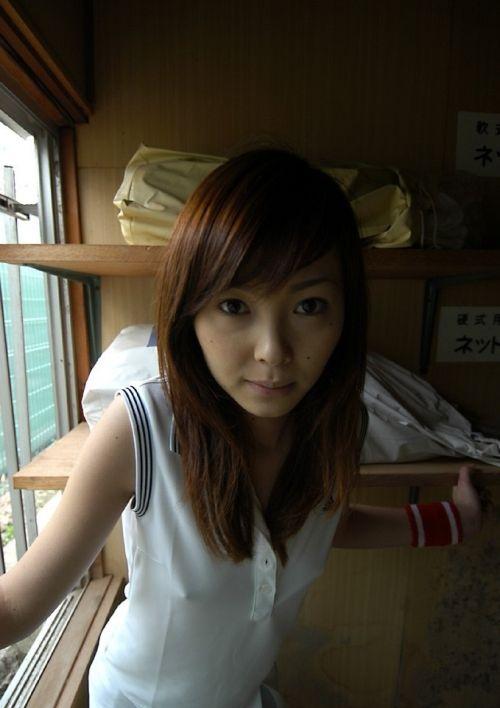 【乳首透け画像】日本でも流行って欲しいノーブラ乳首透けエロ画像 33枚 No.2