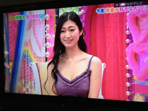 【乳首透け画像】日本でも流行って欲しいノーブラ乳首透けエロ画像 33枚 No.5