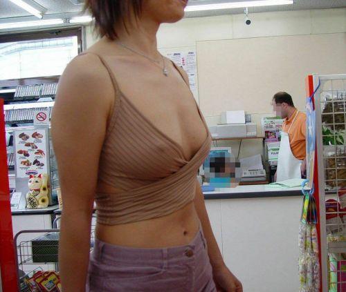 【乳首透け画像】日本でも流行って欲しいノーブラ乳首透けエロ画像 33枚 No.13