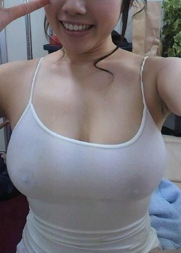 【乳首透け画像】日本でも流行って欲しいノーブラ乳首透けエロ画像 33枚 No.20