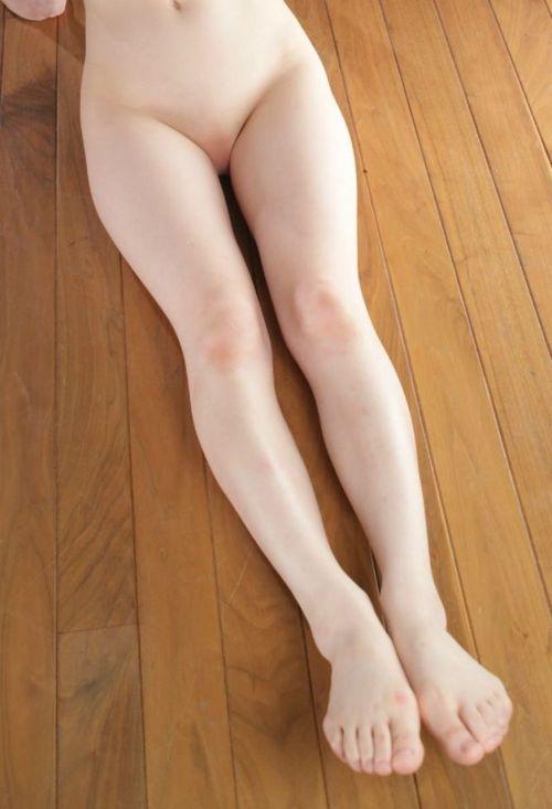 無毛な美女が綺麗なオマンコを自分から見せつけてくるエロ画像 33枚 No.13