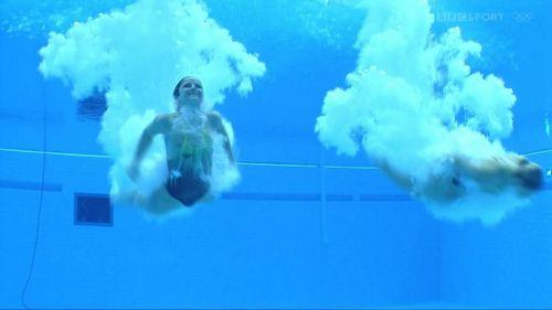 【画像】高飛び込みの水中で水着が脱げまくる様子を放送した結果www 47枚 No.2