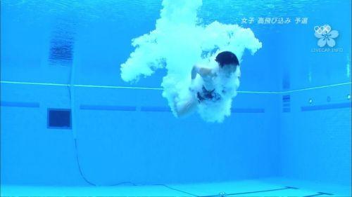 【画像】高飛び込みの水中で水着が脱げまくる様子を放送した結果www 47枚 No.3