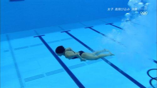 【画像】高飛び込みの水中で水着が脱げまくる様子を放送した結果www 47枚 No.7