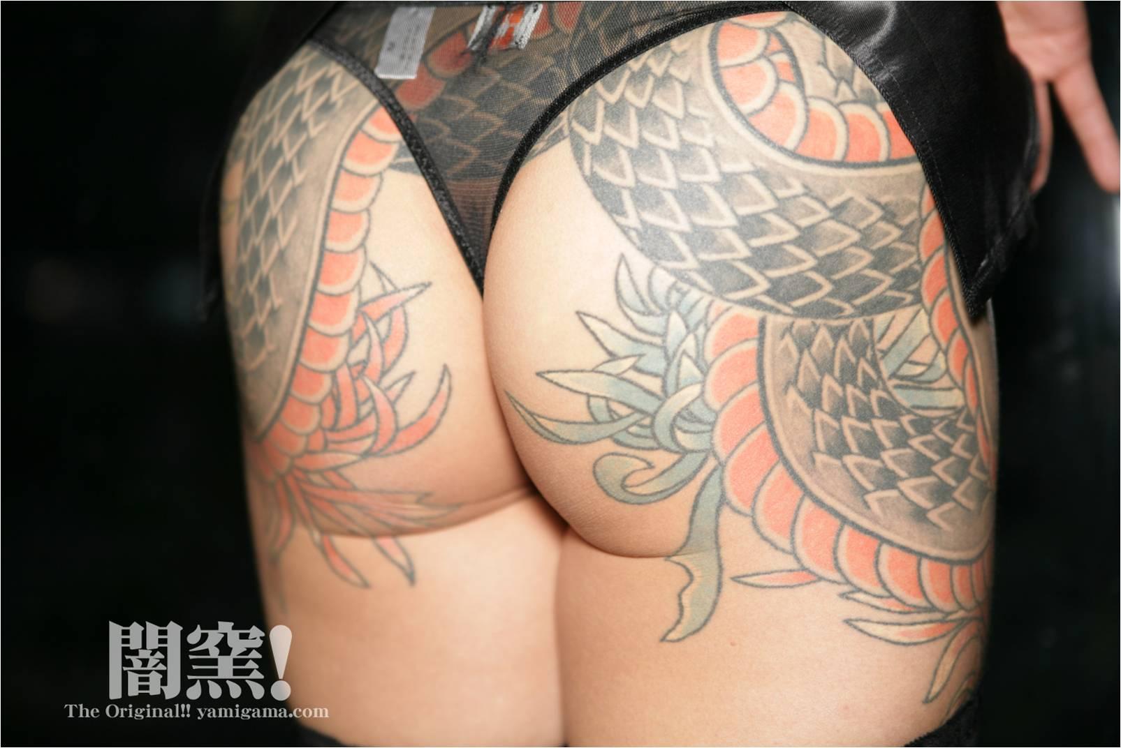 yamigama 刺青 刺青入りの美女がエロい体で誘惑してくる画像がめちゃシコ[40枚 ...