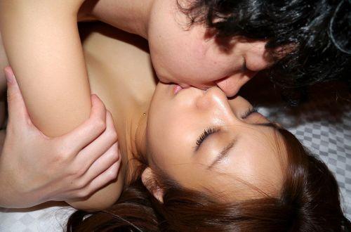 セックスが盛り上がるエッチで濃厚なベロチューキスのエロ画像 32枚 No.14