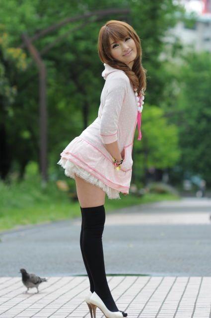 【画像】ニーソ女子のムチムチ太ももな絶対領域がエロ過ぎな件 51枚 No.6