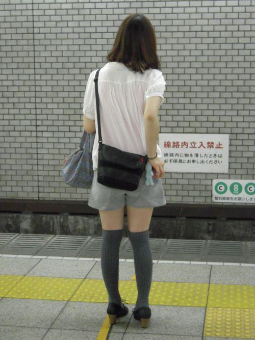 【画像】ニーソ女子のムチムチ太ももな絶対領域がエロ過ぎな件 51枚 No.7