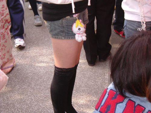 【画像】ニーソ女子のムチムチ太ももな絶対領域がエロ過ぎな件 51枚 No.24