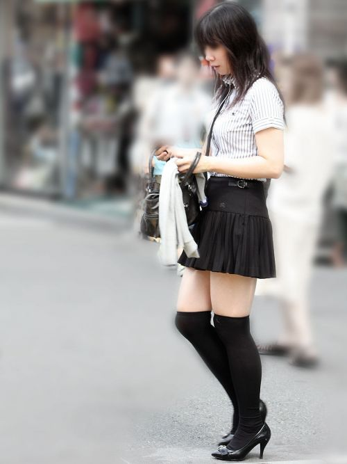 【画像】ニーソ女子のムチムチ太ももな絶対領域がエロ過ぎな件 51枚 No.34