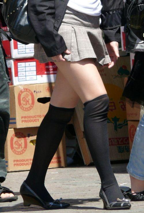 【画像】ニーソ女子のムチムチ太ももな絶対領域がエロ過ぎな件 51枚 No.39