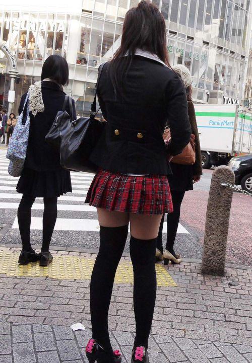 【画像】ニーソ女子のムチムチ太ももな絶対領域がエロ過ぎな件 51枚 No.44