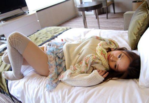 【画像】ニーソ女子のムチムチ太ももな絶対領域がエロ過ぎな件 51枚 No.49