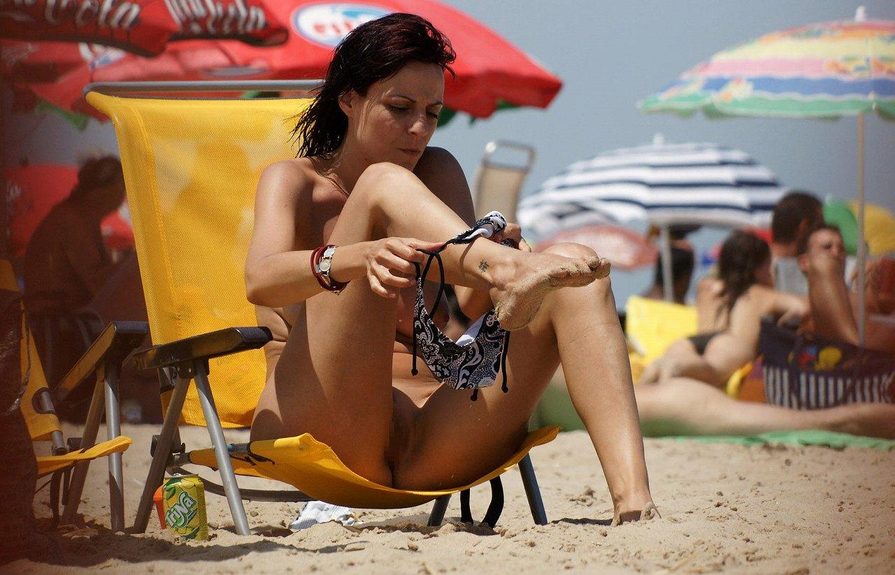 (写真)外で隠さずに堂々と着替えるスタイル抜群の外国人女性達wwwwww 32枚