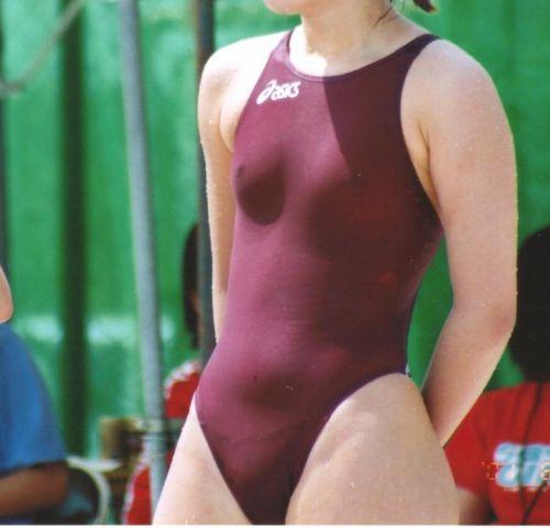 濡れてマン毛も乳首も透け透けになっちゃう競泳水着のお姉さんwww 31枚 No.12