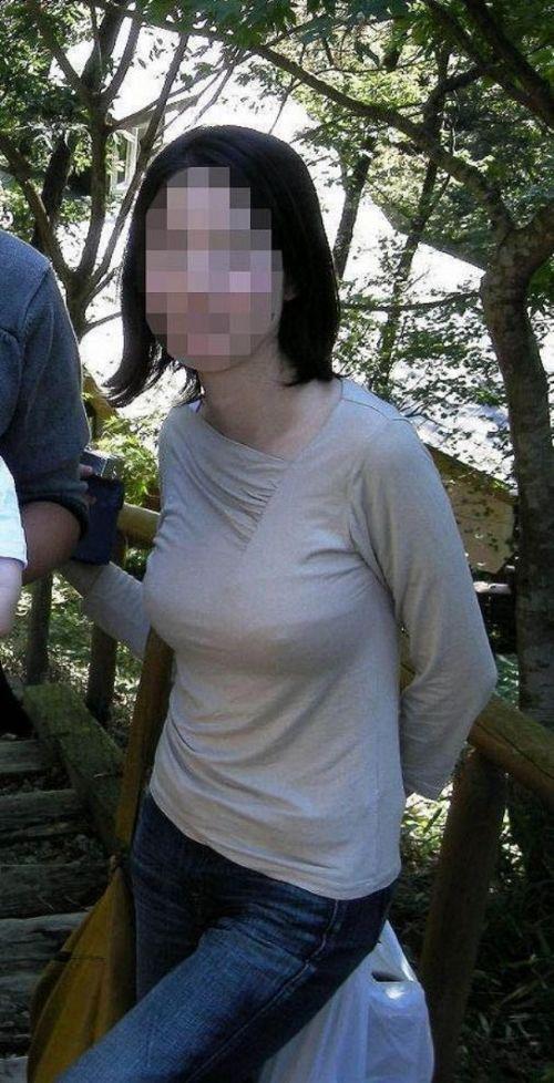 【エロ画像】海外では乳首ポチや乳輪見えて当たり前とか最高だなwww 34枚 No.18