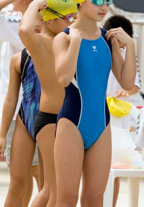 プールサイドを歩く競泳水着を着た水泳部の女の子の太ももや股間www 44枚 No.35